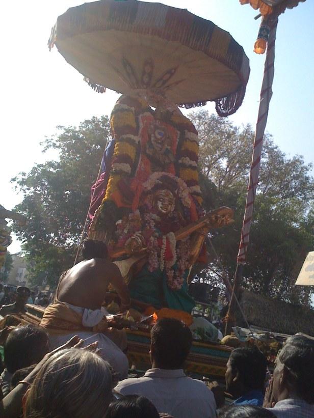 Karpagambal on Gandharvi during Adhikara Nandi sevai
