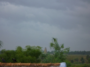 Kalakkad's Satyavageeswarar Temple, with Mahendragiri in the background, as seen from my terrace