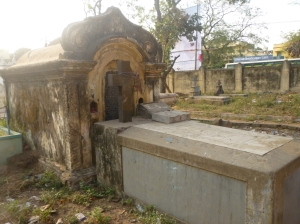 Another view of Vedanayagam Pillai's grave, Mayiladuthurai