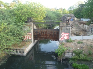 The Buckingham Canal lock, attributed to the Cooum