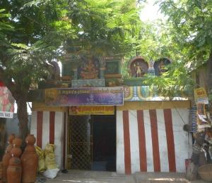 Erikkarai Mariamman Temple, with no Eri in sight!