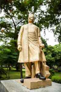 Statue of the Rajah of Panagal at Panagal Park, T Nagar