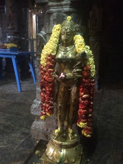 Lamp at Jalakanteswarar temple, Vellore