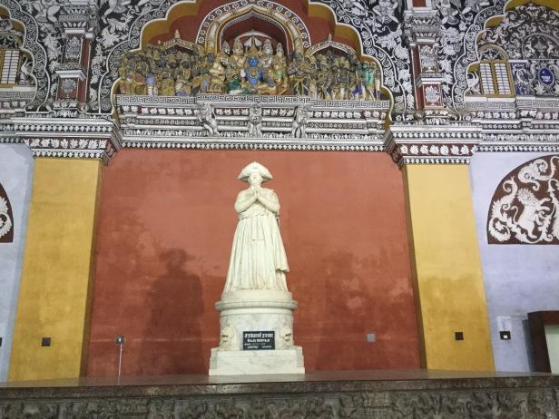Statue of Sarabhoji at Thanjavur palace